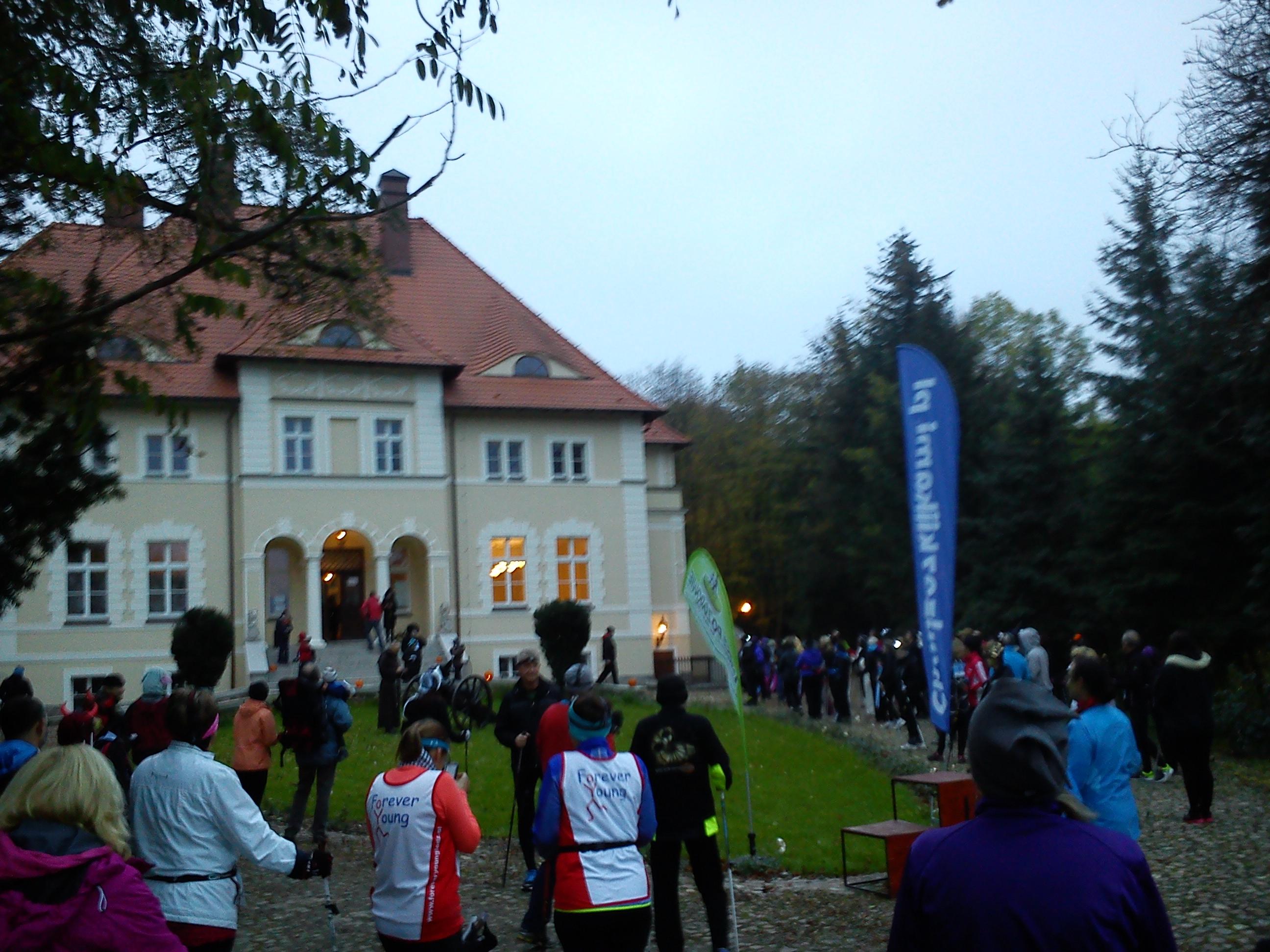 10 Nordic Walking Active Fit Fitness Klub  Pleszew ul. Traugutta 30